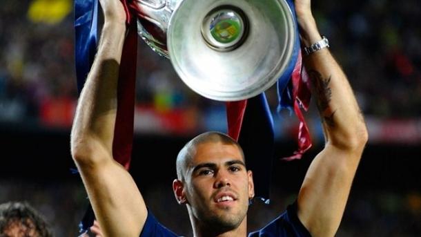 El portero levantando una de sus tres Champions / Foto: UEFA