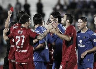 Jugadores del Mallorca protestan la roja a