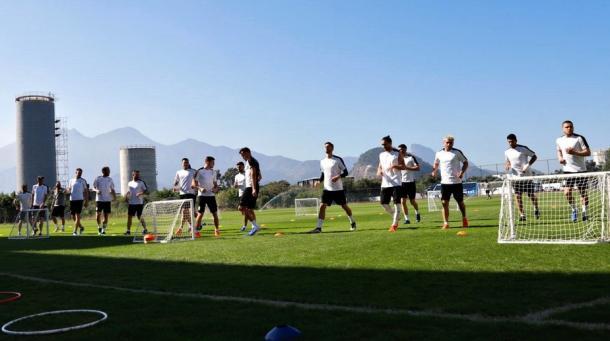 Uruguaios treinando no CT da Barra (Foto: Divulgação / AUF)