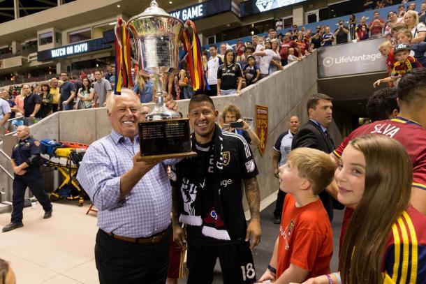 Rimando levanta la Rocky Mountain Cup (rslsoapbox.com)