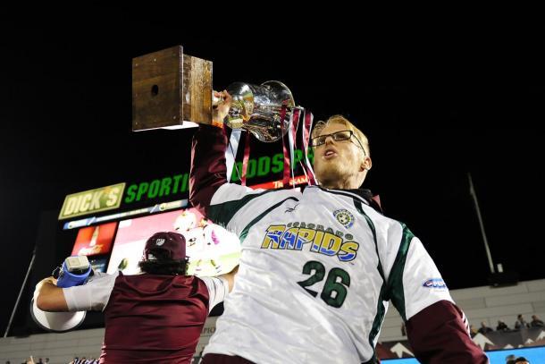 Aficionados levantan la Rocky Mountain Cup (usatoday.com)