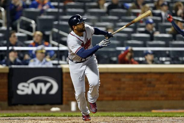 Kemp watches the first of his two solo home runs leave the park/Photo: Adam Hunger/USA Today Sports