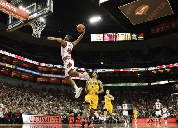 Donovan Mitchell #45 in volo. Fonte Immagine: ftw.usatoday.com