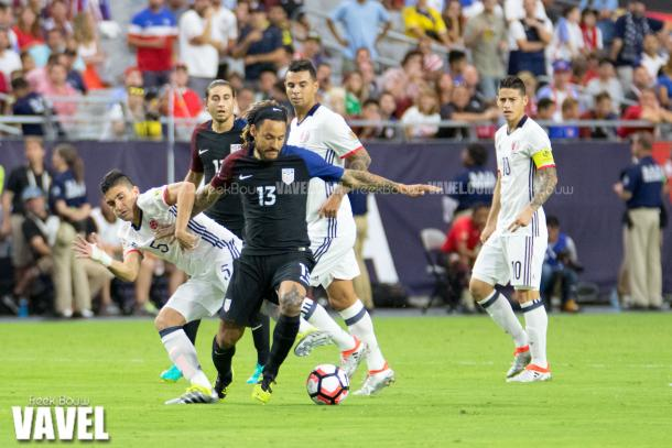 Jermaine Jones (Center) fighting to keep possession against Colombia on Saturday at the University of Phoenix Stadium. Photo provided by Freek Bouw-VAVEL USA.