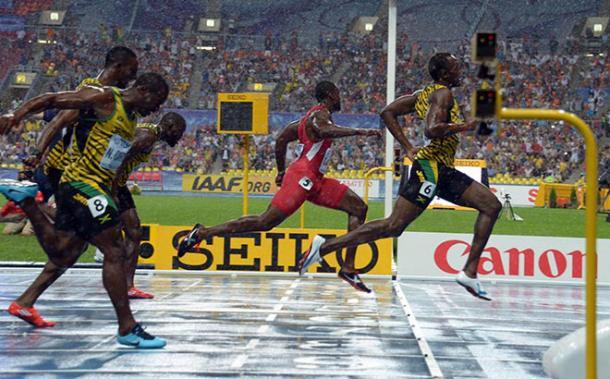 Bolt venceu Gatlin nos 100 metros em Moscou (Foto: Getty Images)