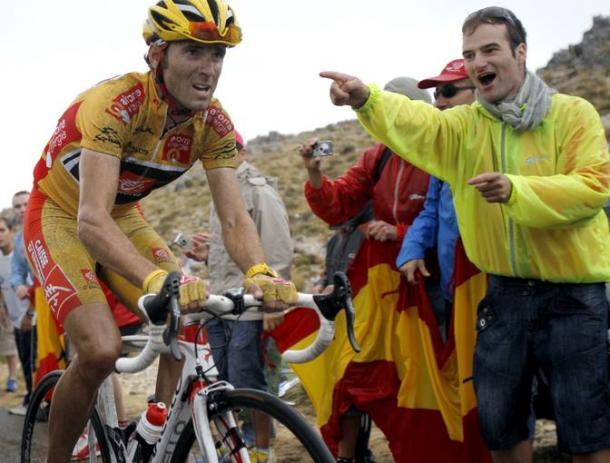 Alejandro Valverde sufrió en la última ascensión a la Pandera (2009), pero mantuvo el maillot de líder | Foto: EFE