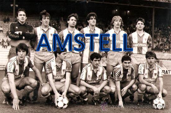 Equipo del Deportivo Alavés, con Valverde en sus filas. Fuente: todocoleccion.net