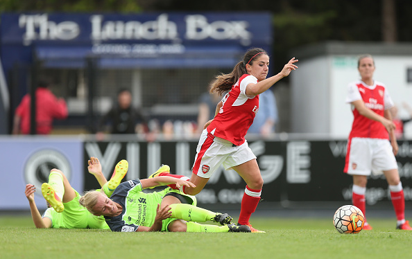 Danielle van de Donk was a frustrated figure in attack as Arsenal weren't clinical enough | Photo: Getty.