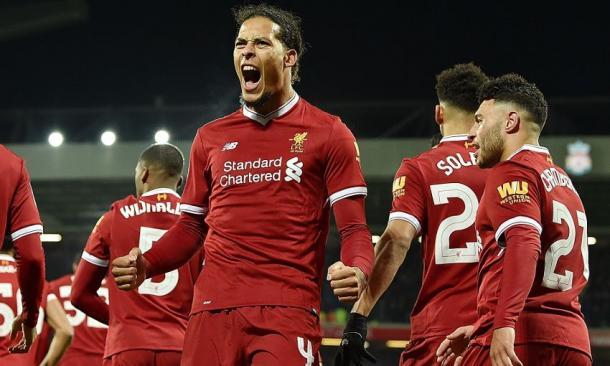 Van Dijk celebrando su primer tanto con el Liverpool. Foto: liverpoolfc