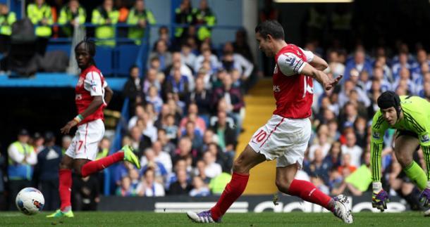 Uno dei 3 goal di Van Persie a Stamford Bridge nel 2011, www.skysports.com