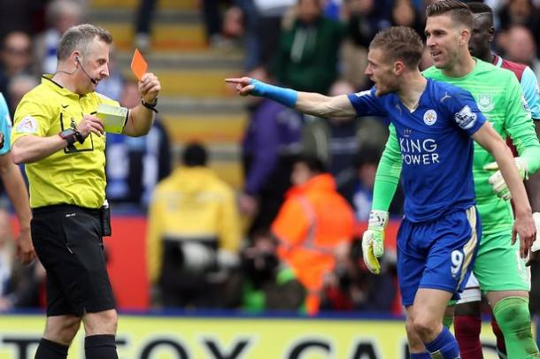 Vardy's reaction to his dismissal against West Ham has seen this charge imposed | Photo: Getyy