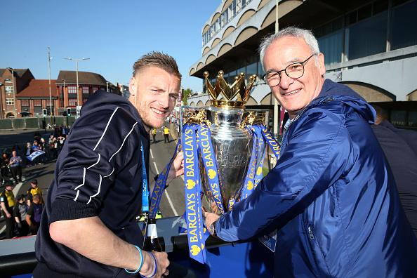 Vardy e Ranieri continuarão trabalhando juntos na próxima temporada (Foto: Divulgação Leicester City)