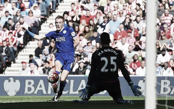 Jamie Vardy nets a first to give another dent to Spurs' title hopes (Telegraph)