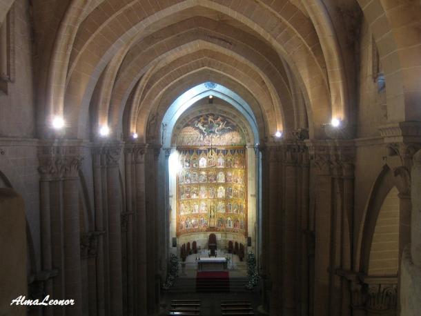Altar Mayor de la Catedral Vieja (Imagen: AlmaLeonor, de Vavel)
