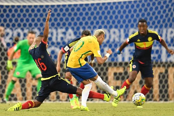 Neymar marcou o gol da vitória da Seleção (Foto: Getty Images)