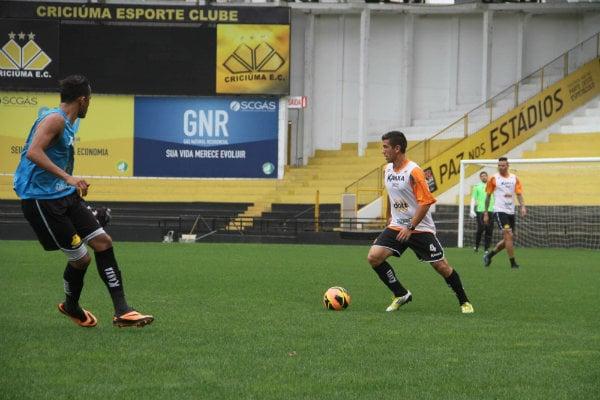 Equipe treina para a estreia na Série B (Foto: Divulgação/Criciúma)