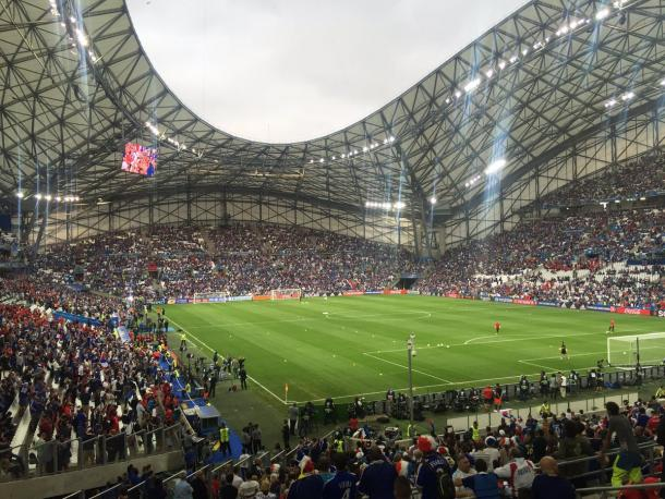 Here's the scene tonight in Marseille, as both sets of fans take to their seats with only forty five minutes remaining until kick off.