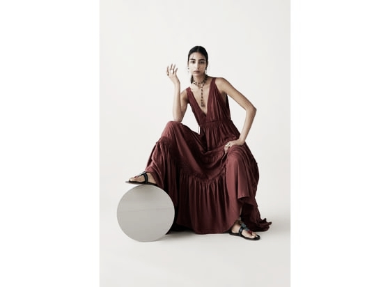 Vestido bordado // Foto: página web Zara