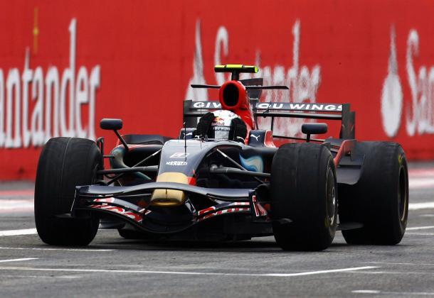 Sebastian Vettel festeggia la vittoria a Monza nel 2008 (foto: da web)