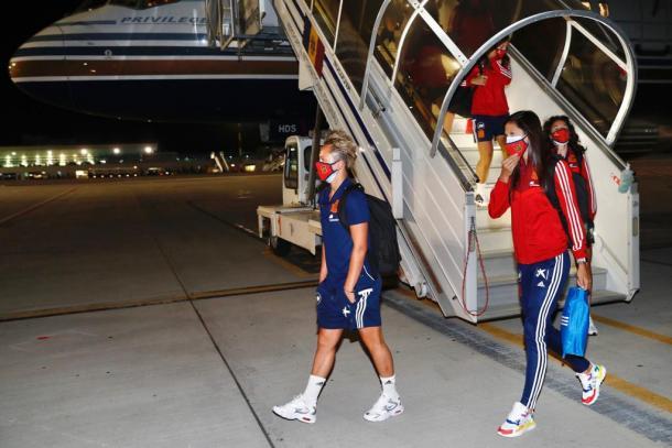 Las jugadoras ya están en Moldavia   Foto: @SeFutbol