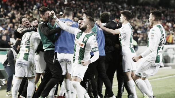Jugadores del Córdoba celebrando un gol (FOTO: LaLiga)