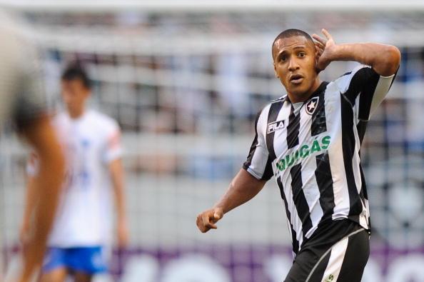 Victor Simões foi revelado no Flamengo, mas se destacou no Botafogo | Foto: Felipe Dana/FotoArena/LatinContent/Getty Images