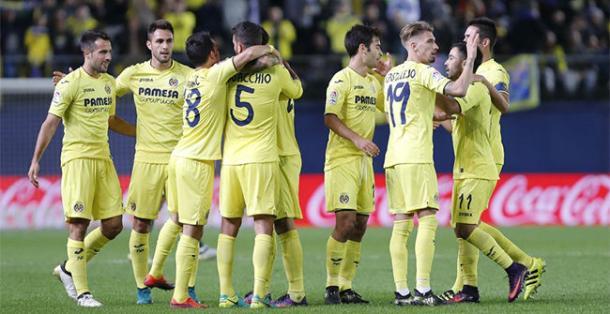 I giocatori del Villarreal esultano dopo il 2-0 al Betis