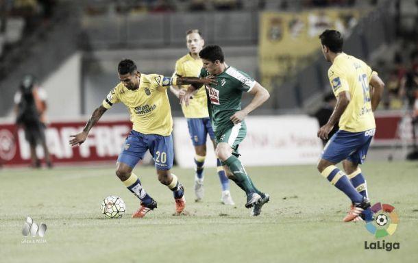 Jonathan Viera jugando contra el Eibar | Foto: LFP.es