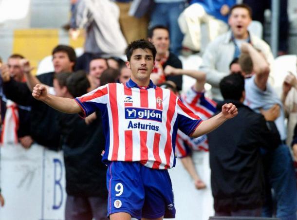 Villa celebra uno de sus primeros goles con el Sporting // Imagen: Gol Digital
