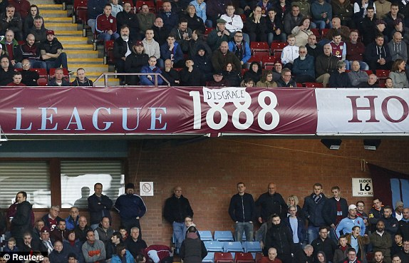 The Villa fans made their feelings clear (photo; Reuters)