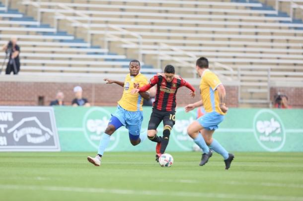 Miguel Almiron in action during Atlanta's preseason game against Chattanooga FC. (Source: Miguel Martinez/Mundo Hispanico)