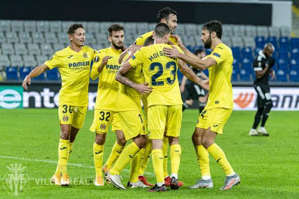 El Villarreal celebrando la victoria ante el Qarabag | FUENTE: Villarreal CF