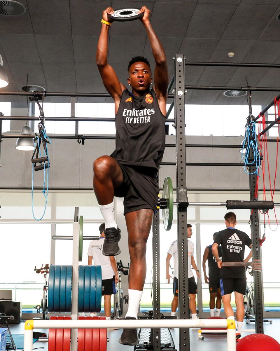 Vinicius ejercitándose en el gimnasio.   Foto: Real Madrid