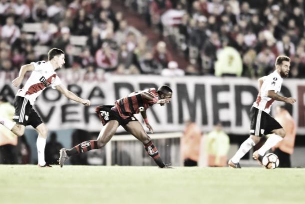 Vinicius Jr. foi o grande nome do Flamengo na primeira etapa. Foto: Staff Images/Flamengo