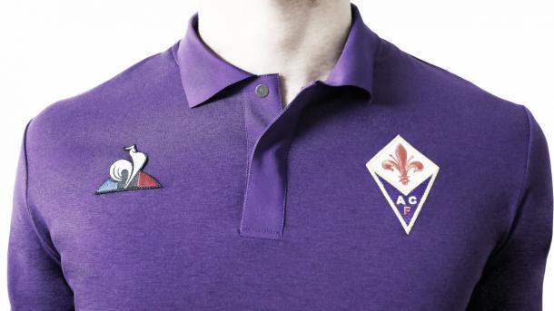 Tradicional uniforme roxo da Fiorentina. Foto: Reprodução/