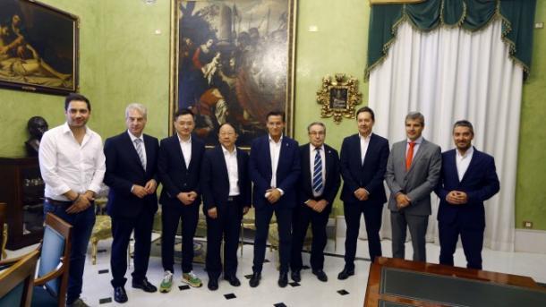 Visita institucional de John Jiang al Ayuntamiento | Foto: Granada CF