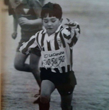 Lucas Pérez jugando en el Vitoria Club de Fútbol. Foto: Lucas Pérez Web
