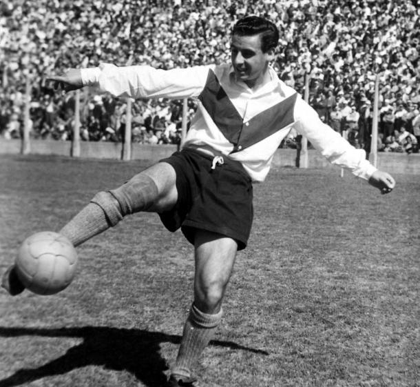 Norbeto Conde vistiendo la casaca del Fortín. | Foto: Vélez Sarsfield.