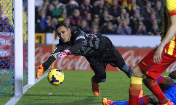 Keylor en un Levante-Barcelona/ Fuente: Levante UD