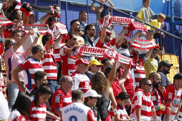 La afición nazarí, encabezda por la Peña del Granada en Madrid, disfrutó de la victoria desde las gradas. (Foto: LFP)