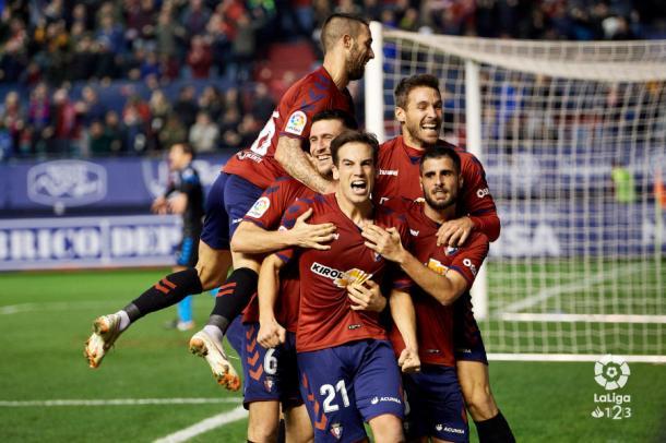 Los jugadores rojillos celebran el gol de Iñigo Pérez. Foto: LaLiga 1|2|3