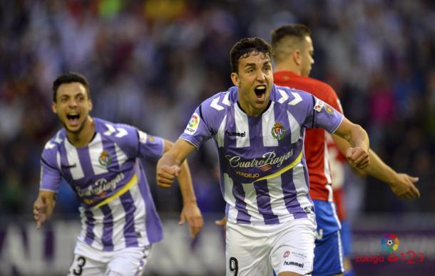 Jaime Mata celebra el tanto anotado frente al Sporting. Foto: La Liga 123