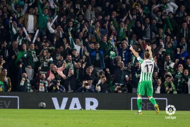Joaquín celebrando su gol ante el Valencia en Copa del Rey | Fotografía: LaLiga Santander