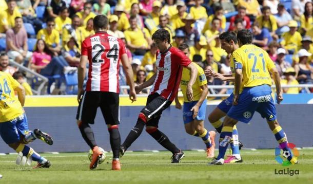 Las Palmas y Athletic se vieron las caras por última vez en el Estadio de Gran Canaria. Un domingo 8 de mayo en el que Juan Carlos Valerón dio su última lección de calidad y humildad en el fútbol profesional