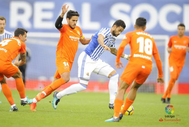 Willian José la pelea con Recio. Foto: LFP