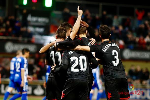 El Reus celebrando uno de sus goles.   Foto: laliga.es