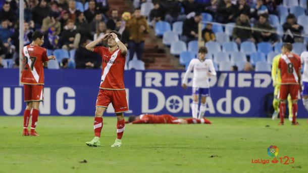 Álex Moreno lamentándose   Fotografía: La Liga
