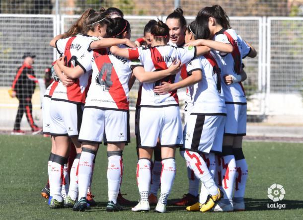 Jugadoras del Rayo Femenino haciendo piña | Fotografía: La Liga