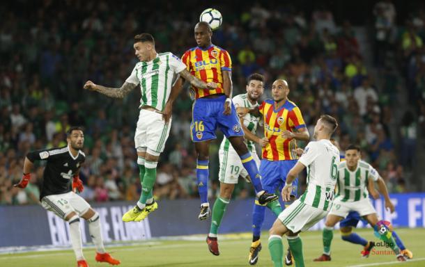 Último encuentro de ambos equipos en el Benito Villamarín | Foto: La Liga Santander