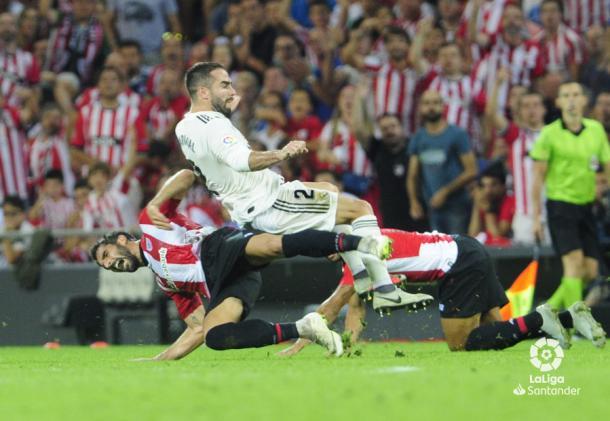 Raú García y Carvajal en una acción del partido I Foto: La Liga
